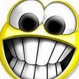 Emoticon Tertawa Unik dan Aneh