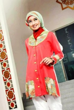 Atasan batik wanita muslimah kombinasi hijab