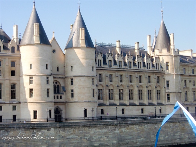 paris-conciergerie-royal-palace-prison-law-courts