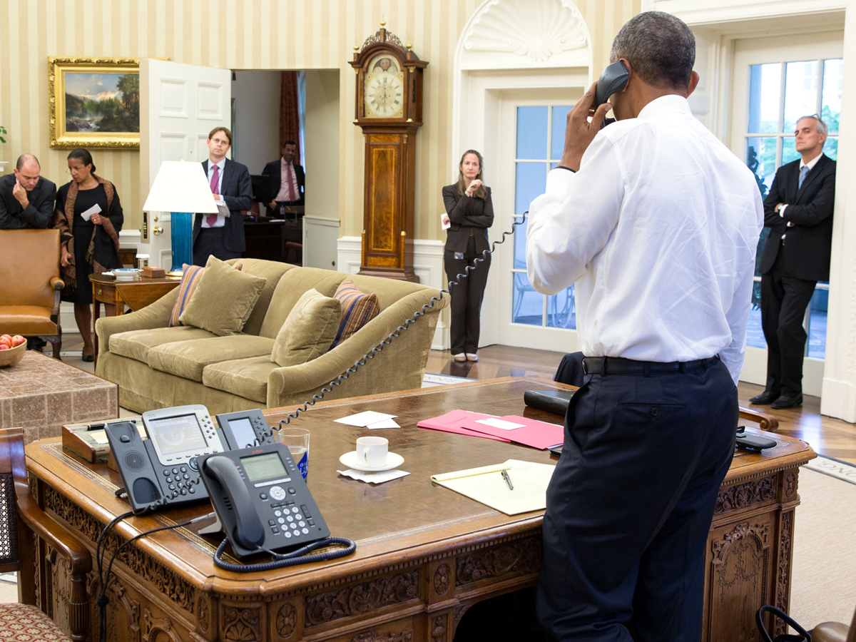 Obama Resolute Desk Electrospaces Net New Ip Phones In The White House