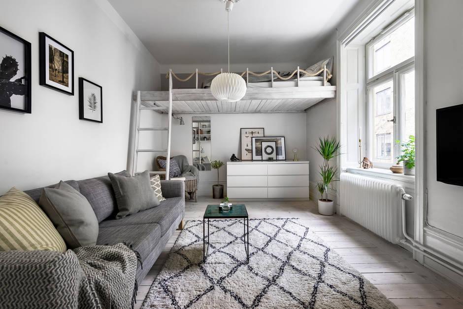 Garsonieră de 25 m² cu pat la înălțime