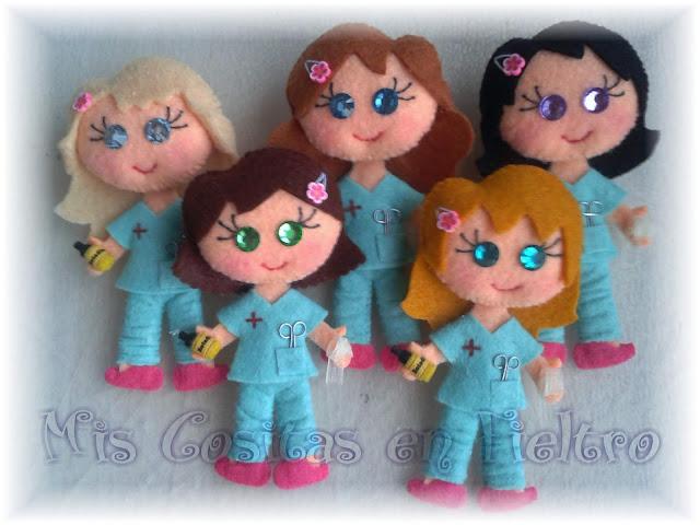 broche de fieltro matrona, broche de fieltro enfermera, broche de fieltro, broche fieltro, enfermera fieltro, enfermera de fieltro, broche enfermera, auxiliar de enfermería, quirófano, cirujano, cirujana