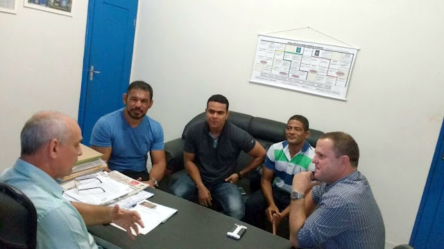 Rodrigo Minotauro visita o comando da Guarda Municipal de Aracaju