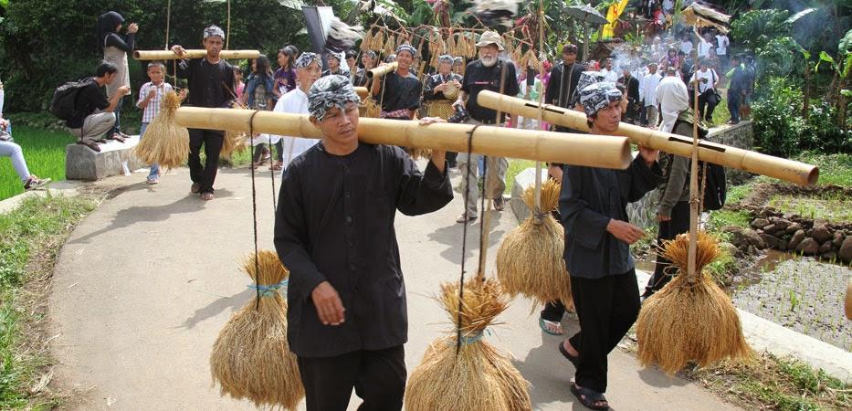 Rengkong, Kesenian Tradisional Masyarakat Sunda - Kamera