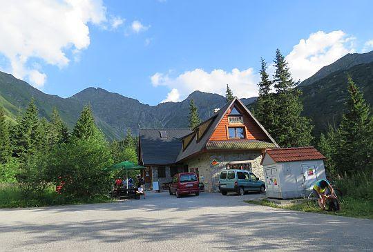 Bufet Rohacki (słow. bývalá Ťatliakova chata; 1380 m n.p.m.).