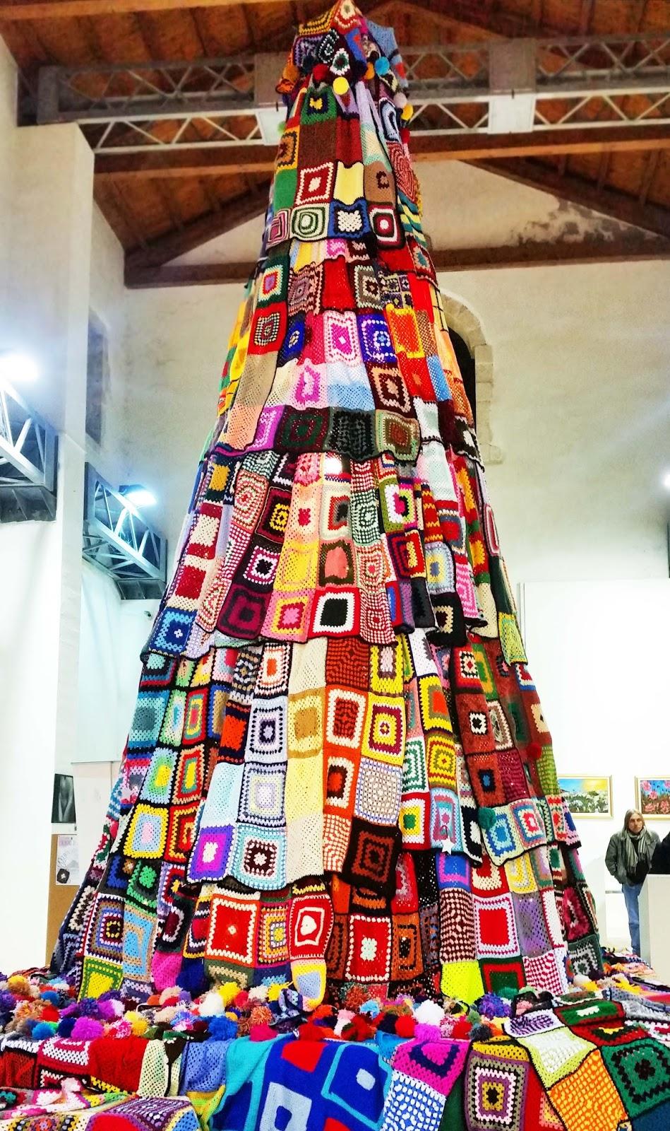 Christmas granny squares tree
