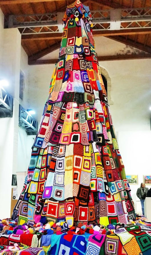 Lilah' s Treasures: Granny squares Christmas tree from Siracusa
