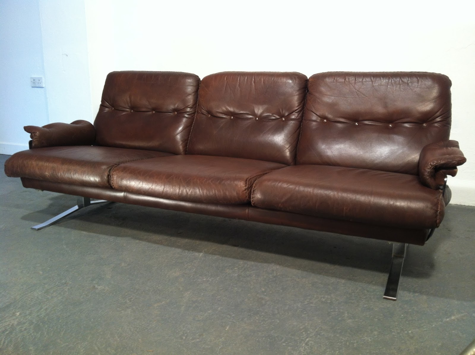 Vintage Furniture Ireland Ocd 1970s Leather And Chrome Sofa
