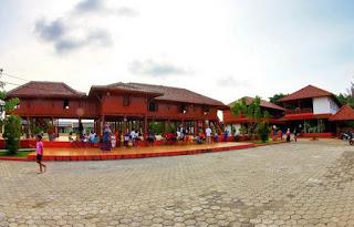 http://www.teluklove.com/2017/05/daya-tarik-objek-wisata-kampung-marunda.html