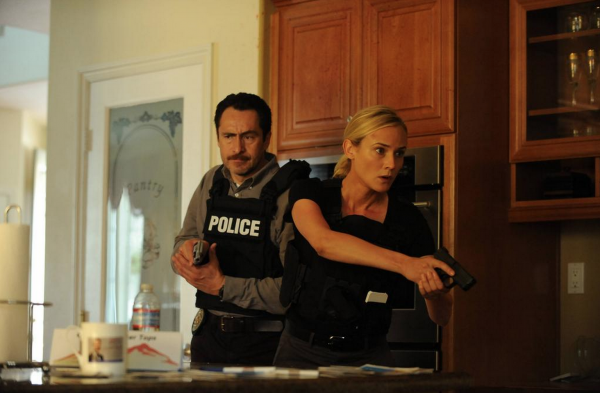 Pareja protagonista de The Bridge, la serie de FX