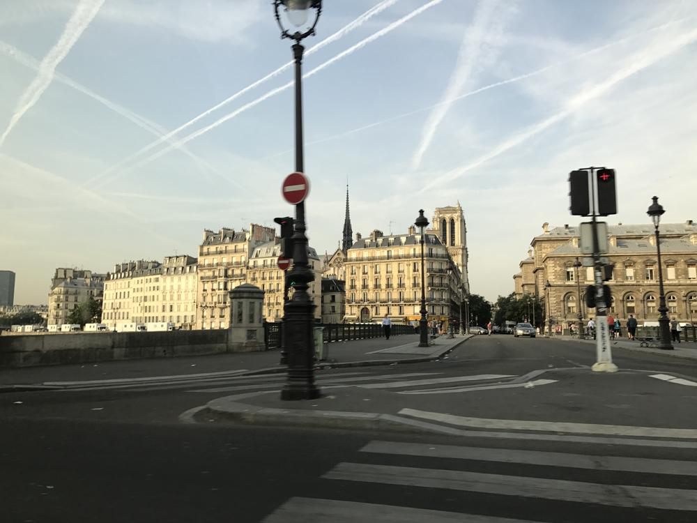 Yksi kuuma yö Pariisissa 26