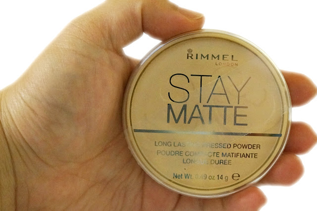 Rimmel London Stay Matte Long Lasting Pressed Powder in Transucent