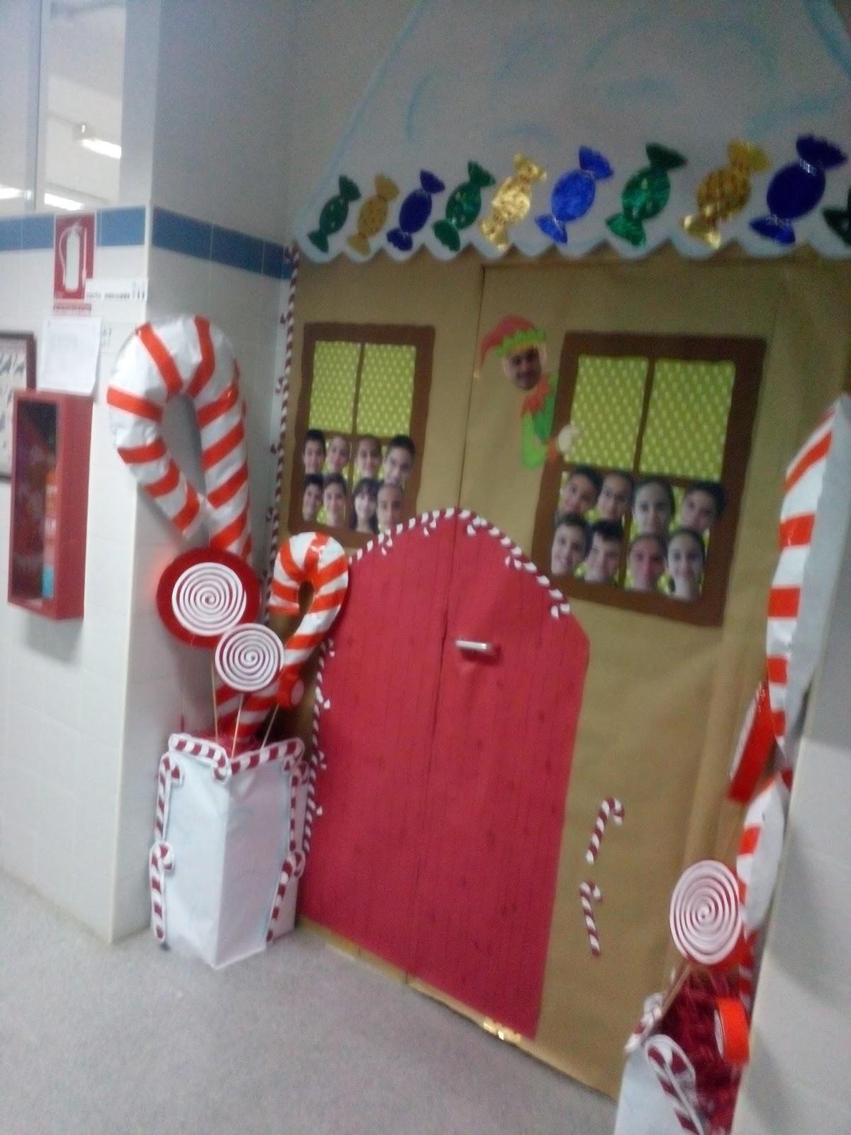 Manualidades escolares decoraci n de puertas for Decoracion para puertas