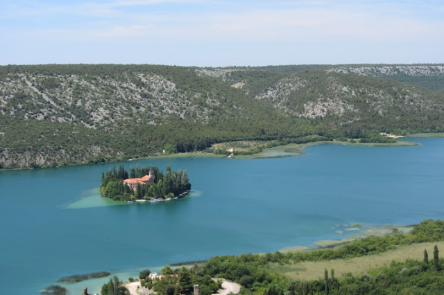 Kroatië, Nationaal Park Krka, eilandje met klooster