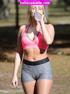 chicas-haciendo-ejercicio-parque