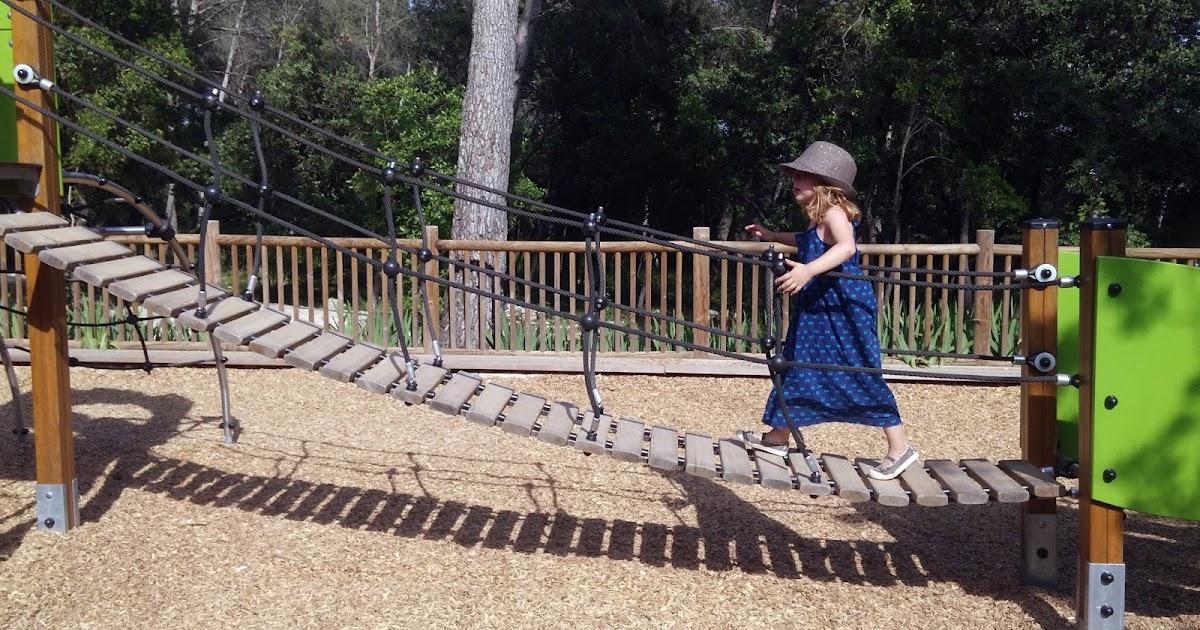 Sorties en famille l 39 aire de jeux du zoo du lunaret for Sortie en famille dans les yvelines
