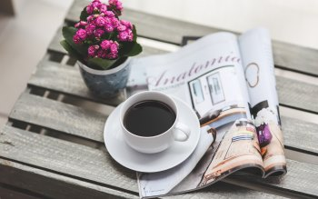 Wallpaper: Drink Coffee and Magazine