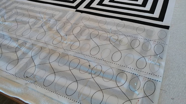 Black and white modern log cabin quilt in Curated Quilts