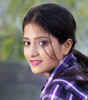 Ulka Gupta Profile Family Biography Age Biodata Husband Photos