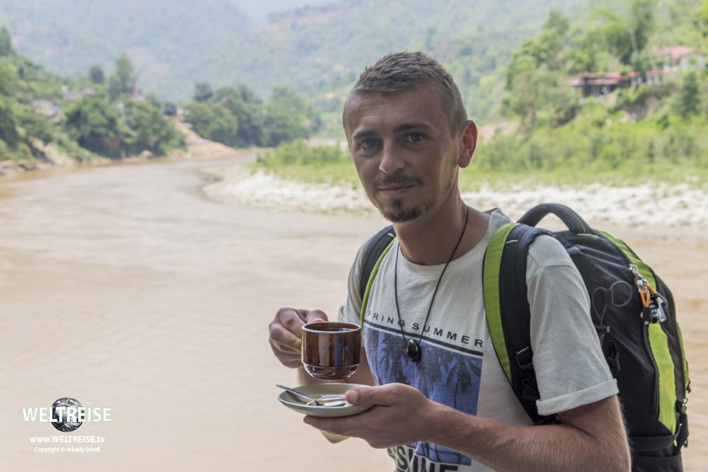 WELTREISE mit nur einem Rucksack. Von Kathmandu nach Pokhara in Nepal. Arkadij Schell aus Bremerhaven.