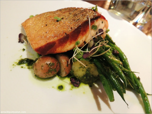 The Hourly Oyster House: Grilled Salmon