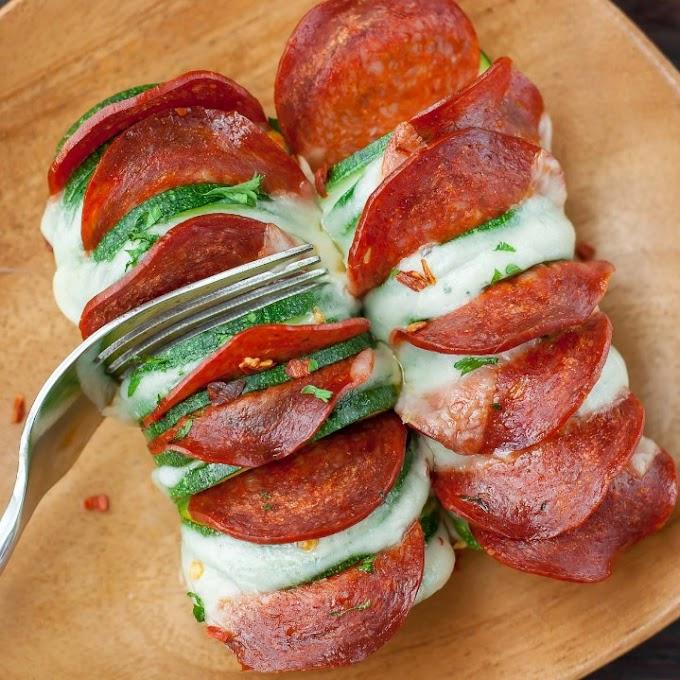 CHEESY HASSELBACK ZUCCHINI PIZZAS #veggies #easytomake
