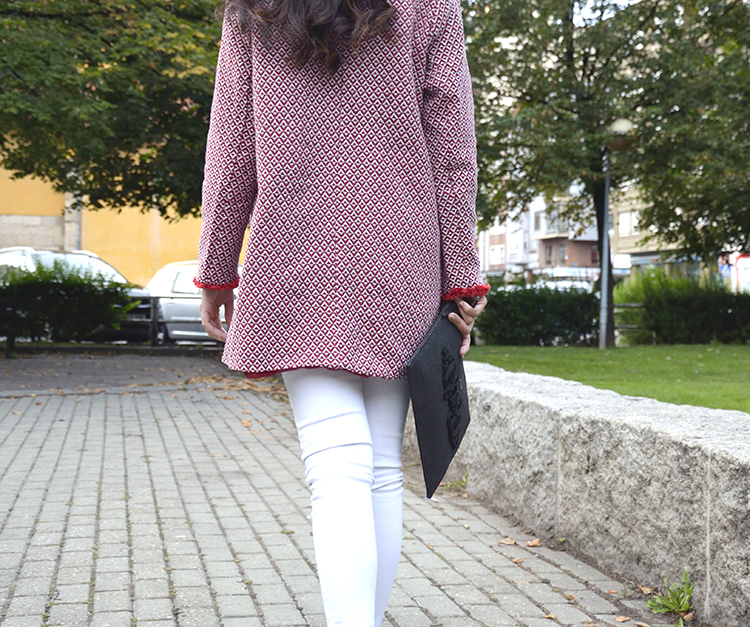 abrigo-rojo-otoño-blogger-outfit-look-ootd-trends-gallery-black-white-red