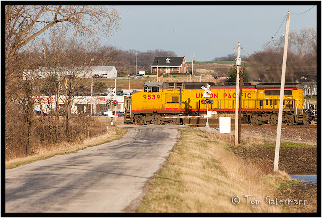 UP 9539 leads a train at BB Road on the Chester Subdivision.