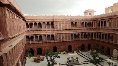 L'hotel a 5 stelle di Bikaner (India)