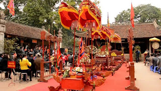 Va temple festival in Ha Noi