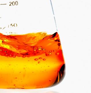 Reaksi Old Nassau atau Reaksi Halloween adalah merupakan reaksi jam dimana warna larutan kimia berubah dari oranye menjadi hitam.