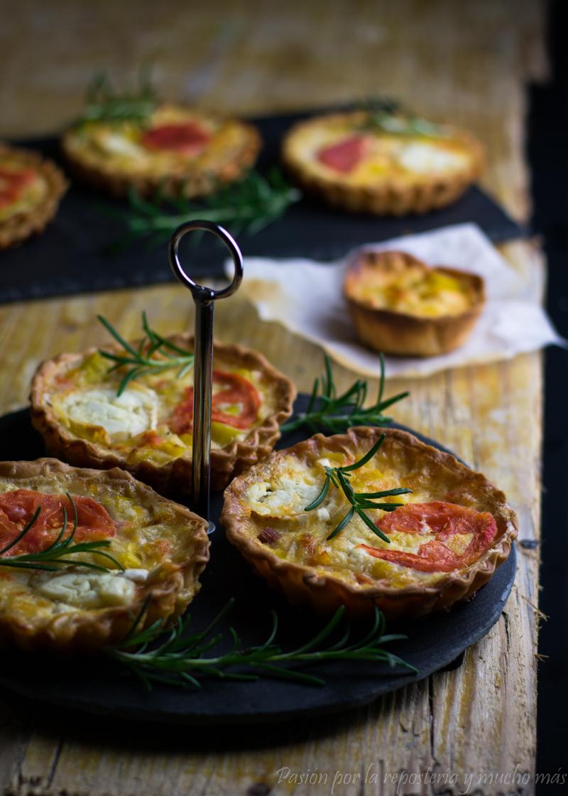 Quiche de puerro, tomate y rulo de queso de cabra