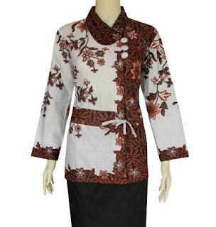 Model baju batik wanita untuk pesta lengan panjang