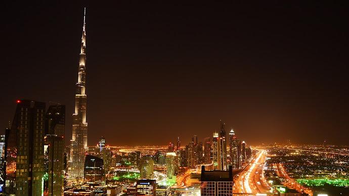 Wallpaper: Burj Khalifa by Night in Dubai