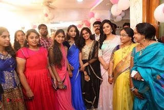 Sreemukhi Launches Manvis Saloon  0056.jpg