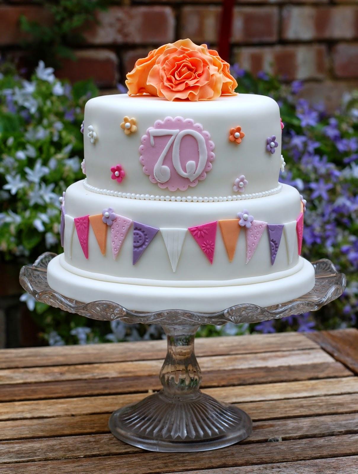Vanilla Frost: Pretty 70th Birthday Cakes