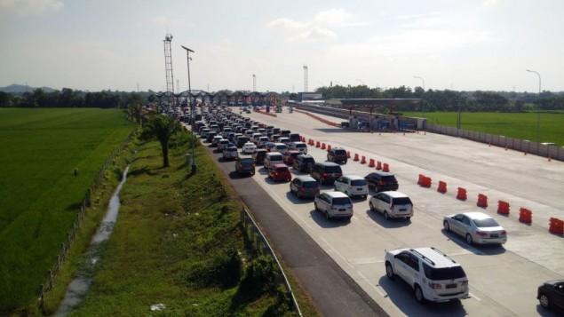 Arus Balik Lebaran 2016 di Tol Palimanan