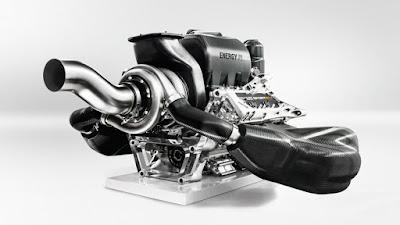 vista posteriore di 3/4 motore Renault Sport Energy V6 turbo