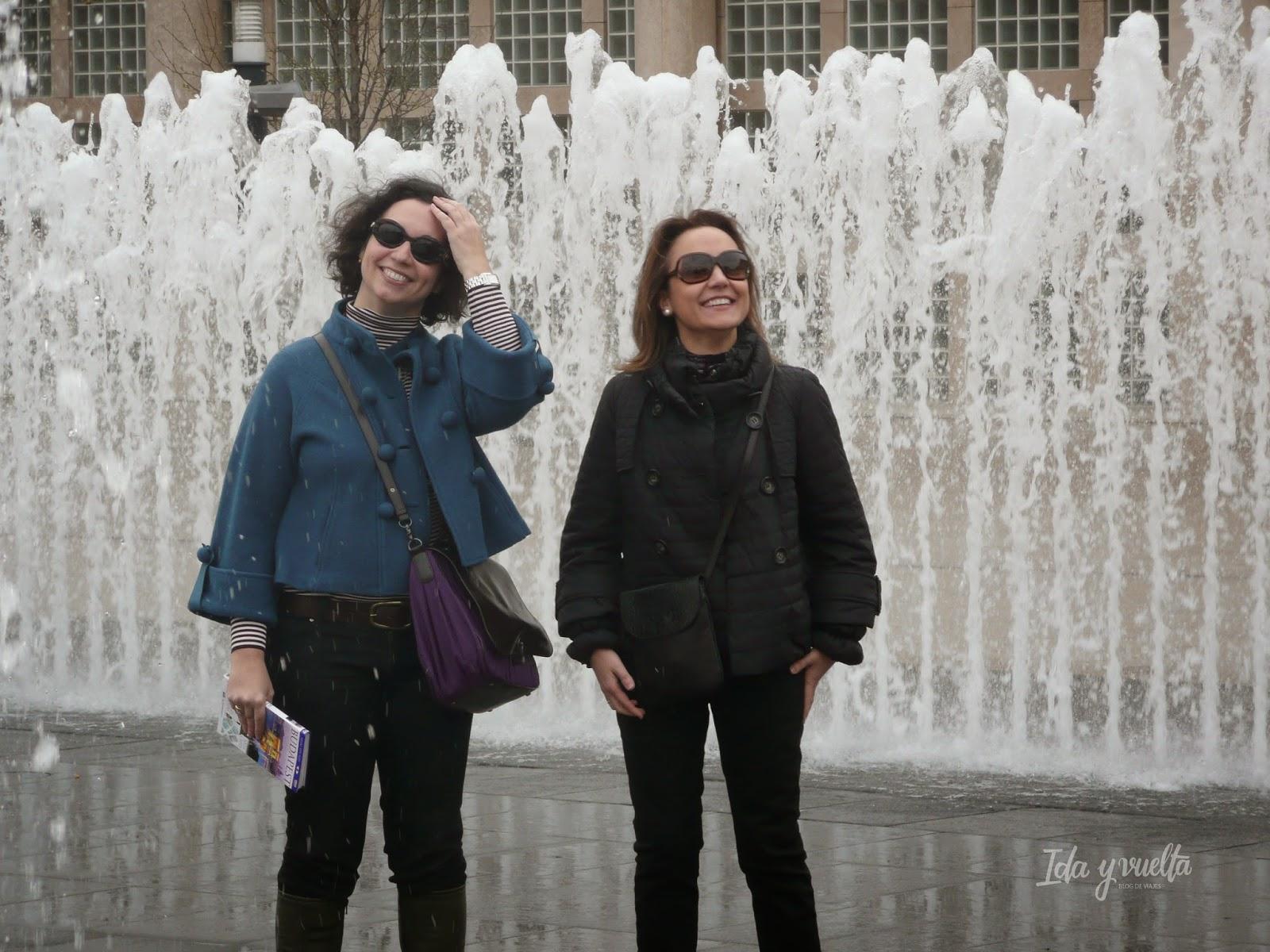 En la fuente de la Plaza de la Libertad