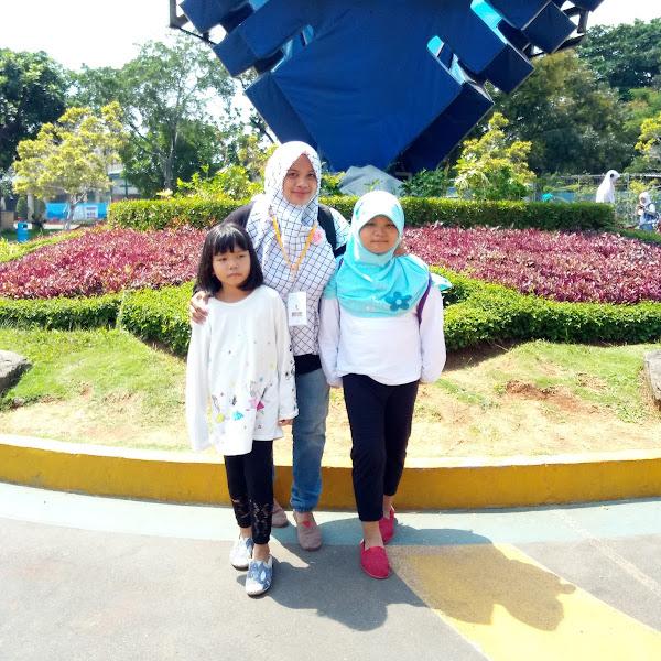 Keseruan Menjelajah Wahana Dufan Bersama Keluarga  dan Viva.co.id