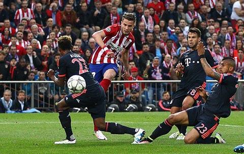 Saul đi bóng qua 4 cầu thủ Bayern rồi cứa lòng đẳng cấp làm tung lưới Neuer