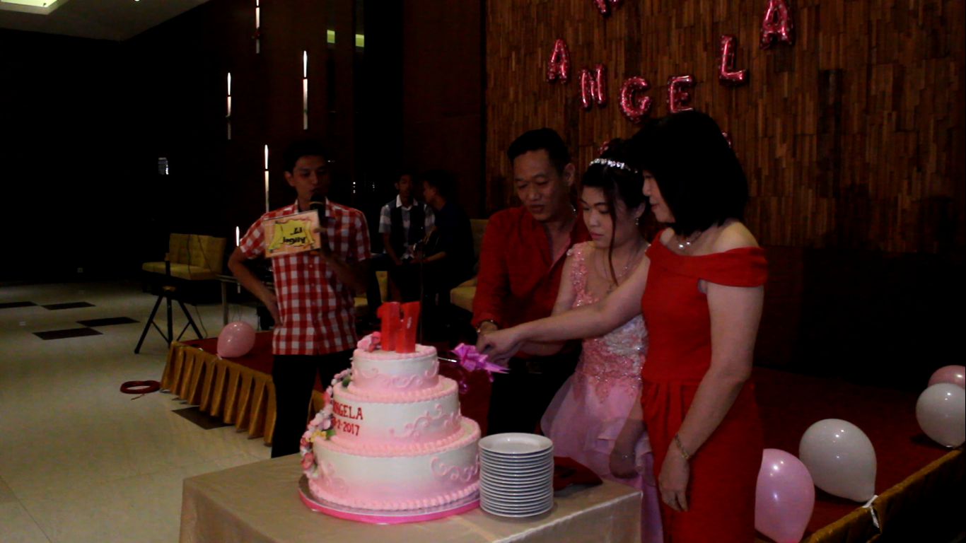HP. 0856-4020-3369 / Jasa Video Shooting ~Ulang Tahun ke-17 Angela~