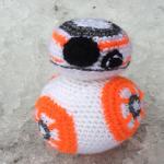 https://onceuponayarn.wordpress.com/2016/01/05/bb-8-free-crochet-pattern/