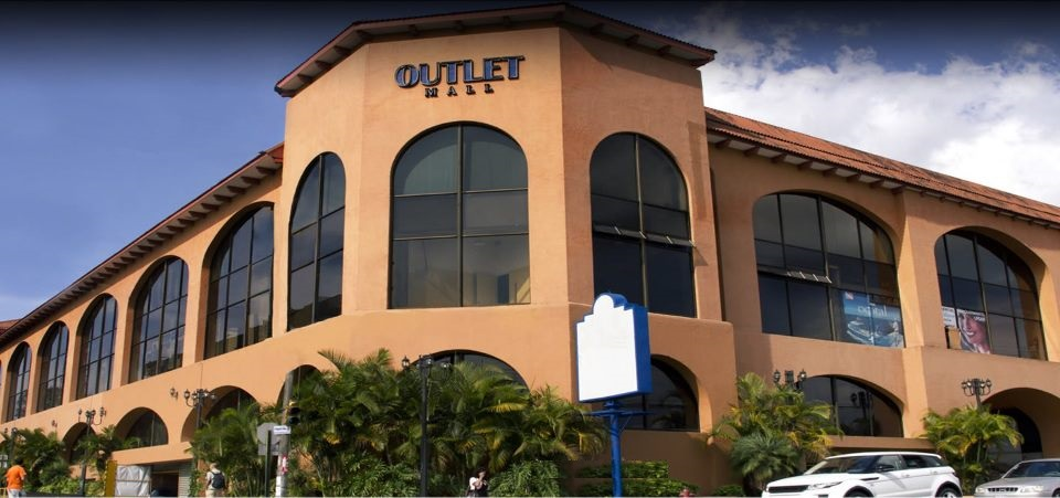 mpaniagua bienes raices 0188001 local comercial outlet On piso 0 mall san pedro