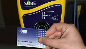 La odisea de cargar la tarjeta SUBE - Cobro de $1 extra y más
