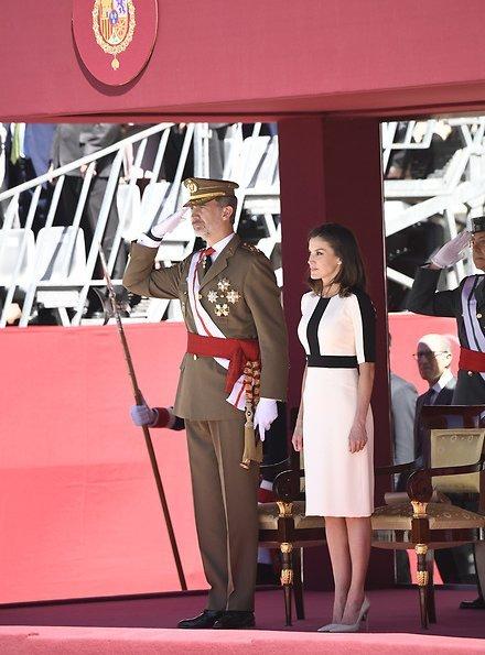 Guardia Civil is national police force of Spain. It was founded in 1844. Felipe Varela coat and skirt. Felipe Varela clutch