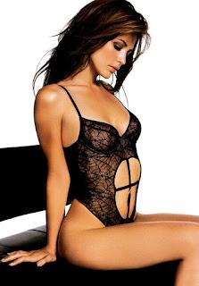 Josie Maran Side Face Hot Picture In Black Lingerie