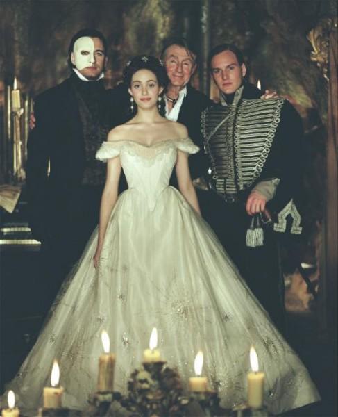 Clube de Debutantes: Festa Temática: Fantasma da Ópera!