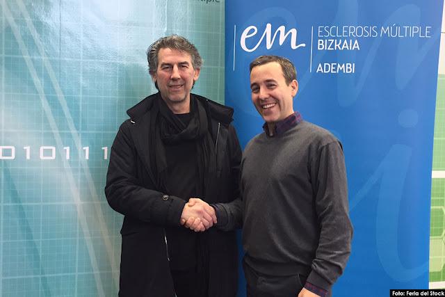 Pedro Carrascal, director gerente de Adembi (drcha), y Francisco García, director de Stock Euskadi, en la firma del acuerdo en las instalaciones de Adembi en Bilbao