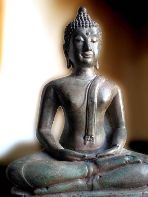 Estatua Budda Tailandés por El Guisante Verde Project